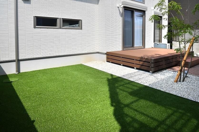 緑がきれいな人工芝の庭|愛知県幸田町、碧南市を中心に三河地区№1スタッフ数のエクステリア・外構 ライフ・ランド